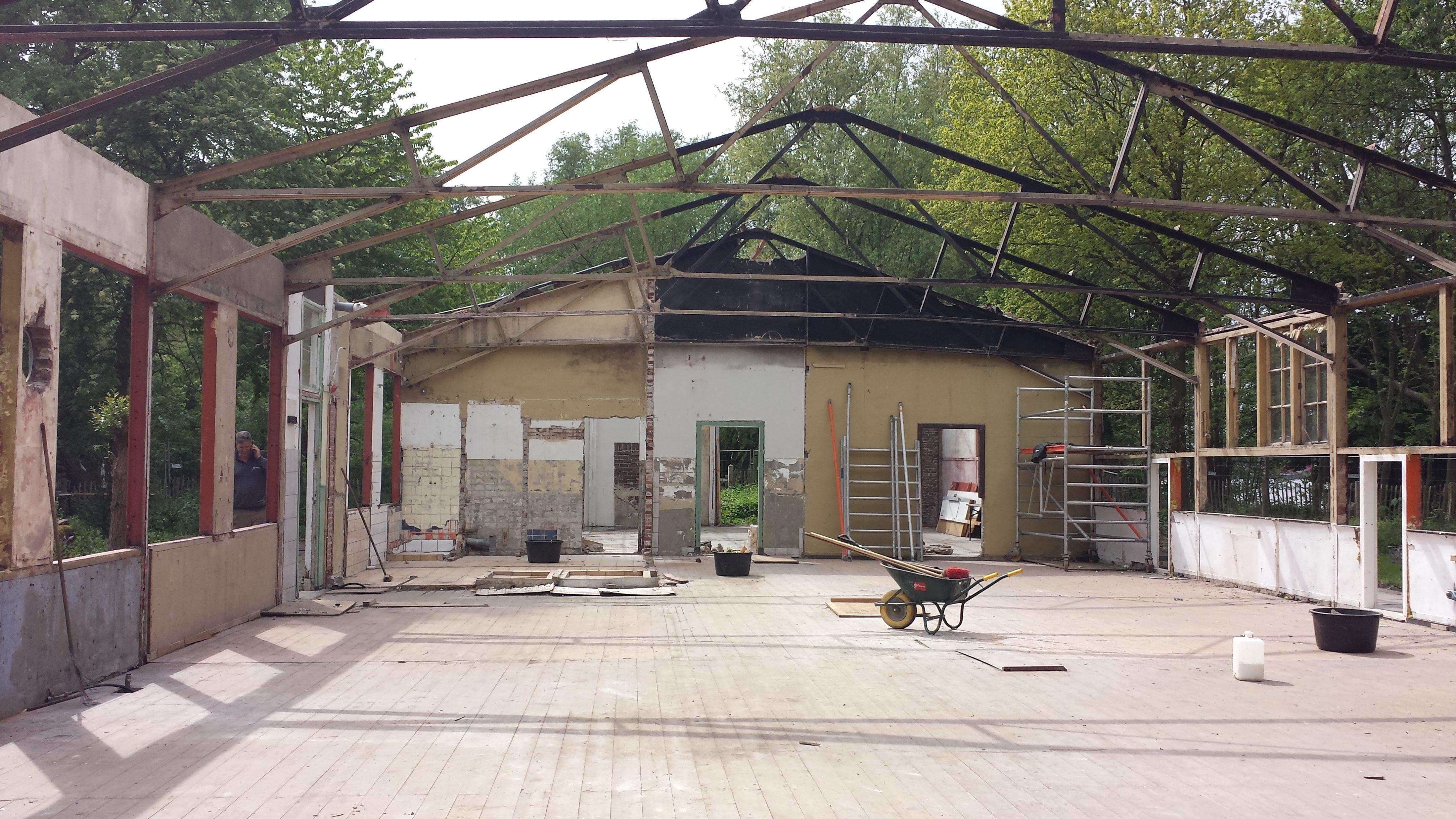 The Kamphuis during deconstruction.